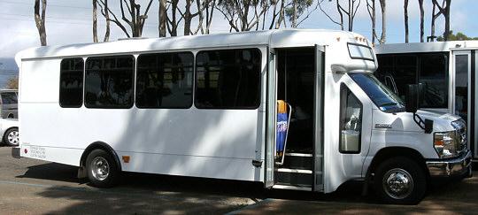 ノースショアパラダイスのバス