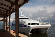 博多湾を渡ります