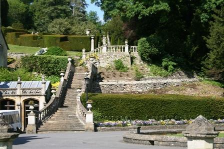 マナーハウス庭園階段