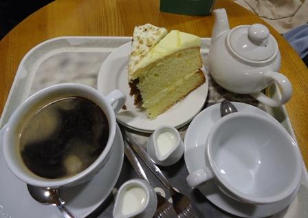 0613Edin空港お茶
