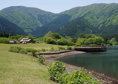 富士山と新緑田貫湖の画像-5