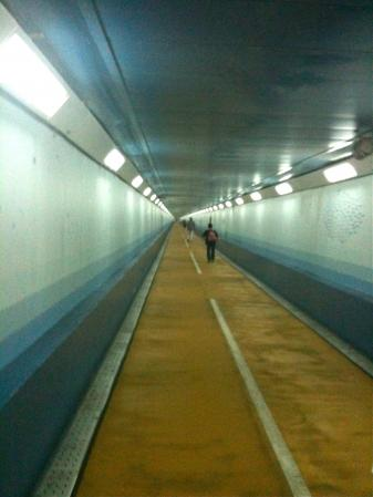 141021tunnel.jpg