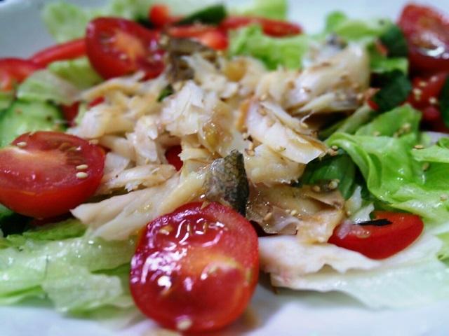 カマスの干物とレタスサラダ