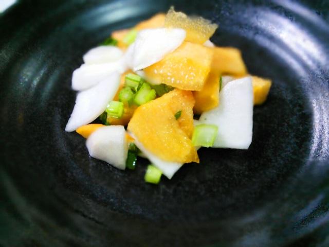 柿とカブの大葉和えサラダ
