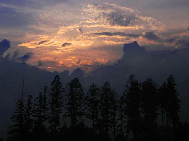 3夕焼け雲18:06