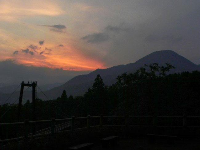 4夕焼け雲18:39