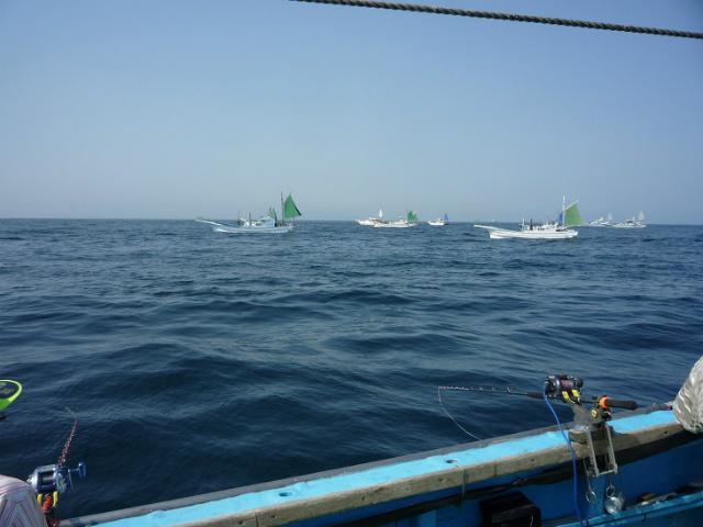 s3.イカ釣り船の集団