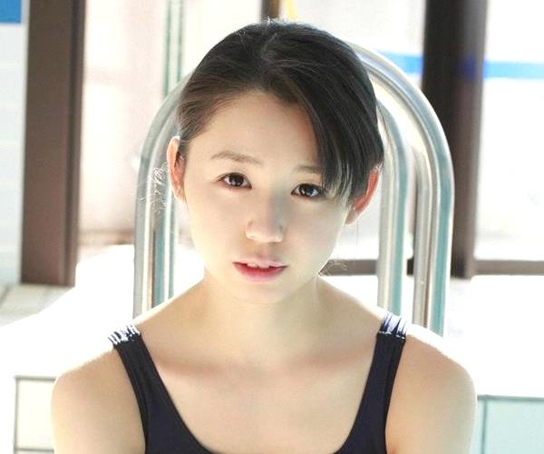 グラビアアイドル 小池里奈 女子高生 スクール水着 エロ画像001a.jpg