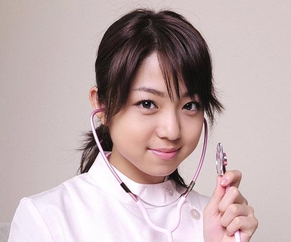 中村静香|グラビアアイドルのコスプレやビキニの巨乳が眩しい水着画像22.jpg
