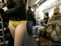 ノーパンツで地下鉄に乗ろうイベント 「No Pants Subway Ride 2014」 1/12実施
