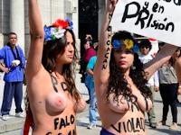FEMENがメキシコでトップレス抗議