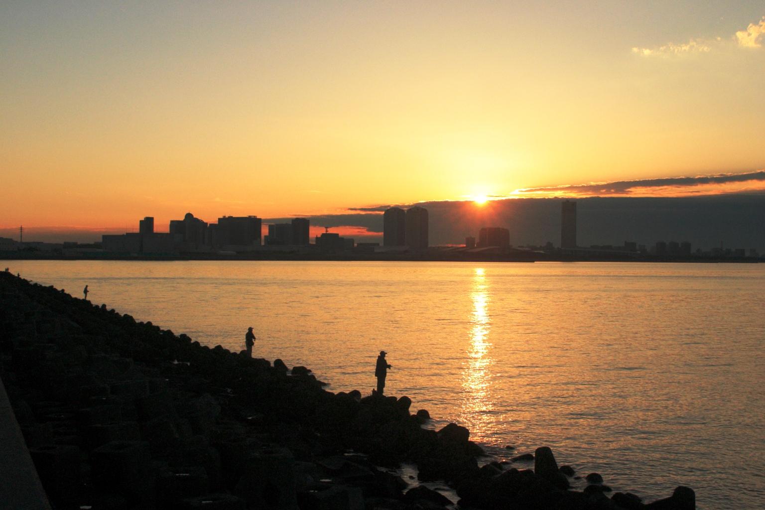 東京湾の夜明
