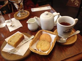「ステラおばさんのクッキー」ショップ併設の喫茶店