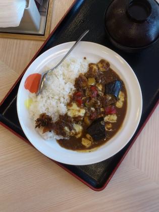 松屋夏野菜チーズカレー2