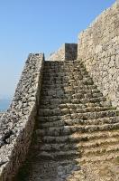 勝連城一の郭への階段