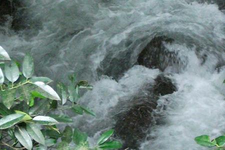 s-谷川の奔流