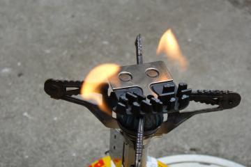 燃やしてやれ!