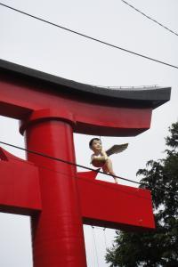 シュールな神社