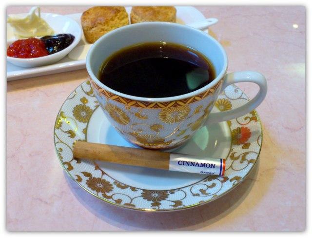 弘前 茶房 COCO ココ クリームティーセット スコーン シナモンカフェ