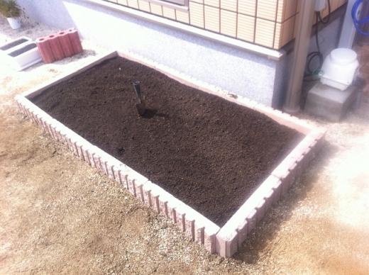 20120423004_完成した花壇