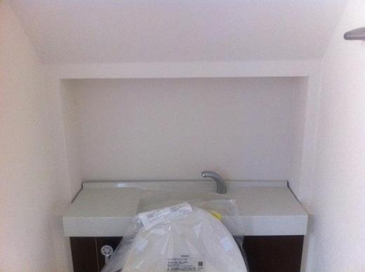 20120428002_階段下トイレの秘密