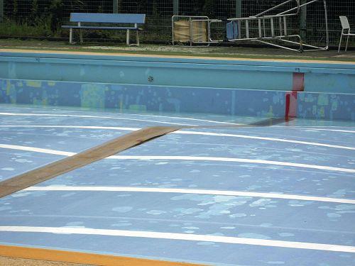 プール盛り上がり01・08・2013