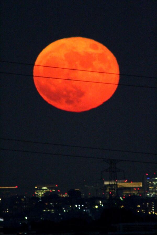 2013年11月18日赤い月