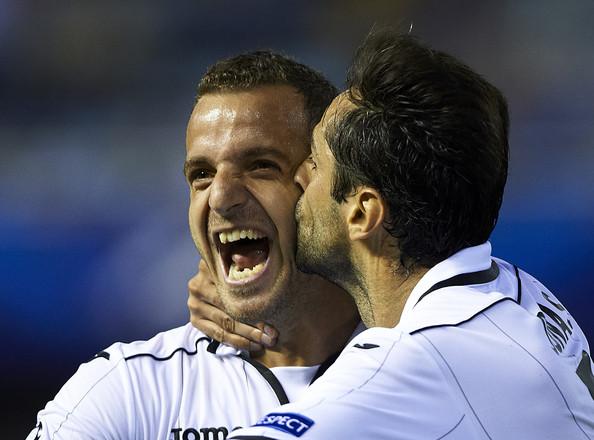 Roberto+Soldado+Valencia+CF+v+LOSC+Lille+Metropole+i79LbruMf3Zl_201308011919029f2.jpg