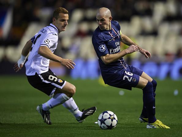 Roberto+Soldado+Valencia+v+Paris+St+Germain+mzmdLtiAmlLl_2013080119190400e.jpg
