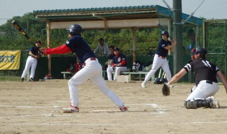 PA260166粋1回裏2死二、三塁から5番福島が右前打を放ち1点かえす