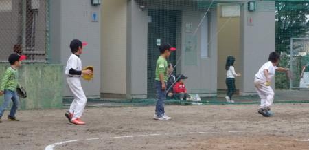 PB090477試合前、松永兄弟ジュニアに守備の特訓