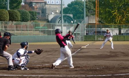 PB230669Le.visage2回表森、上田の2連打に続き6番中村が三塁後方に落ちるポテン打で2人生還