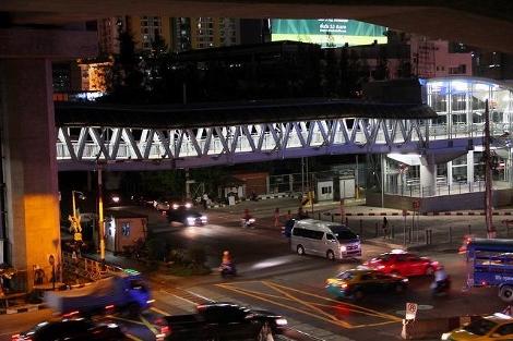 バンコク マッカサン駅からペチャブリー駅への連絡路画像