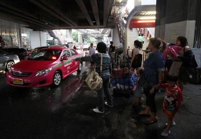バンコクのタクシーに監視カメラ画像