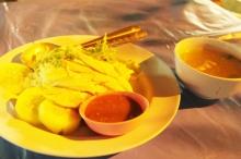 タイ雑貨通販 泰国屋(たいこくや) タイ王国出張旅行ブログ写真01 すっかりお気に入りのカオマンガイを 現地タイで食する写真