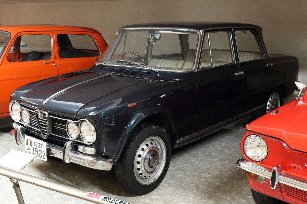 25_Alfa-Romeo_1962_ジュリアTi