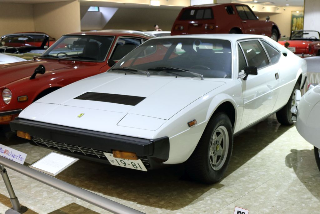 28_Ferrari_1981_ディーノ 308GT4