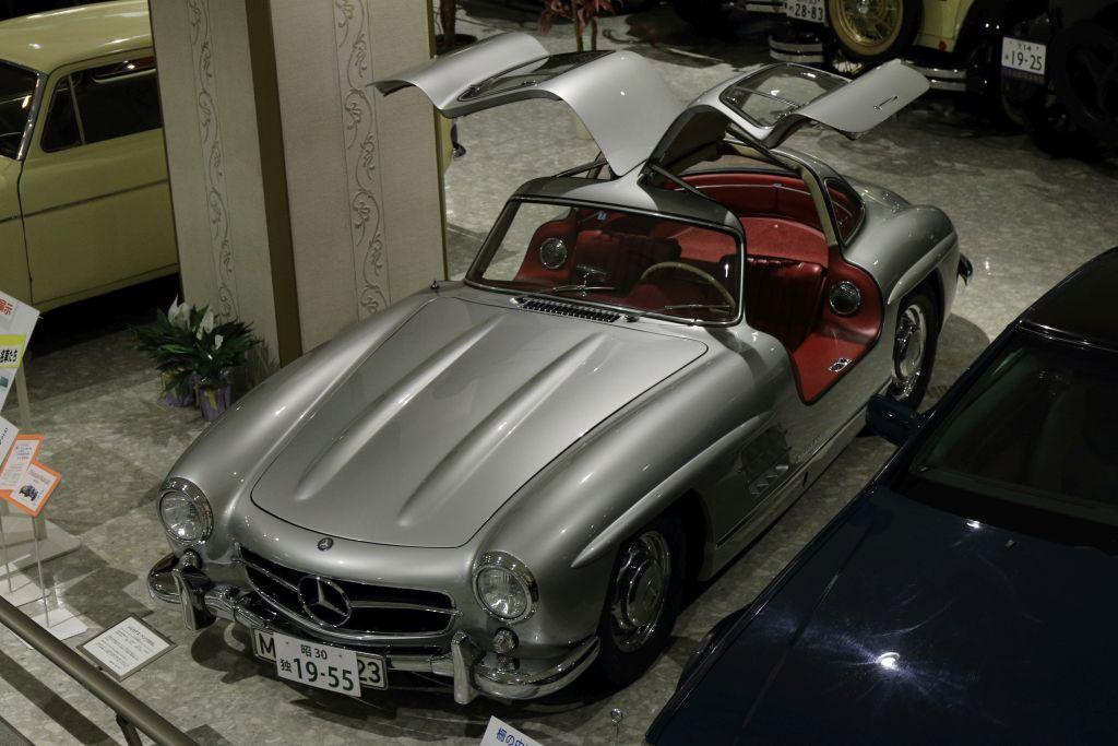 30_Mercedes-Benz_1955_300SL_02.jpg