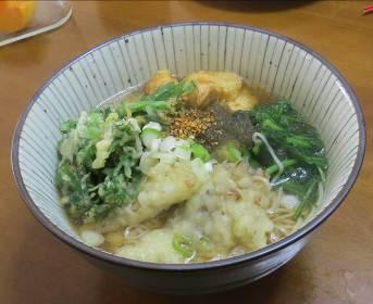 シュンギク天ぷら入りウドン