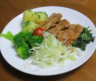 ルッコラ炒めと肉料理