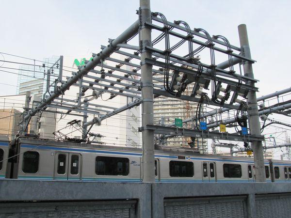 大崎駅ホーム入口にある電力供給の切り替えスイッチ
