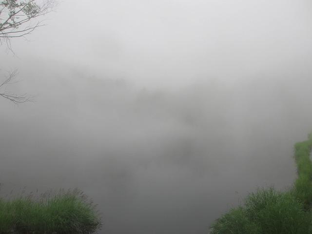 20130704霧の御射鹿池 (3)