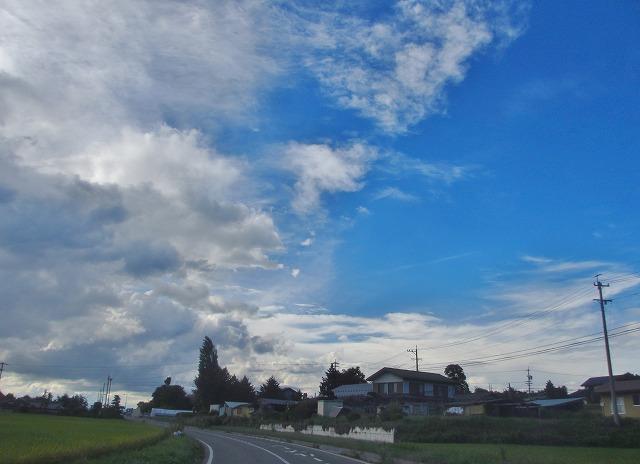 20130903左は雨雲、右は秋晴れ