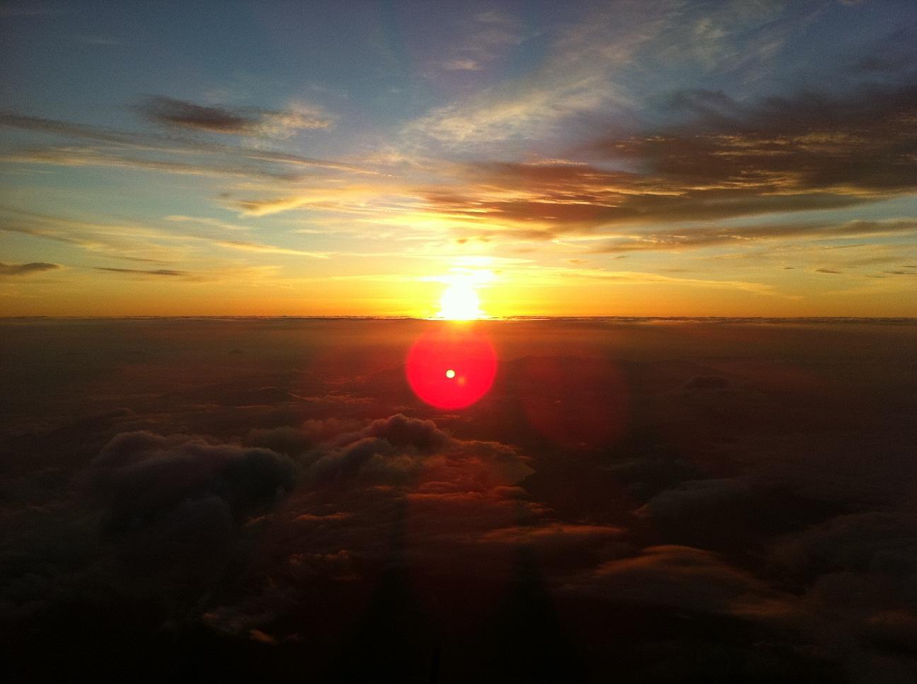 富士山山頂でご来光