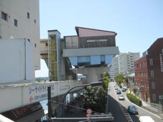 シーサイドライン金沢八景駅