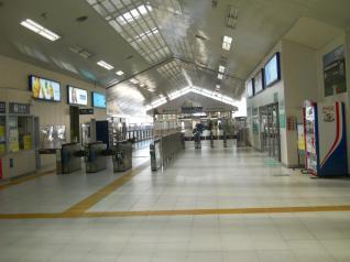 新杉田駅シーサイドラインホーム