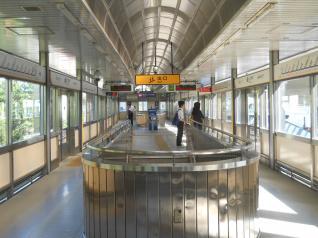 鳥浜駅ホーム