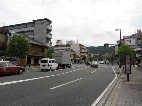 三条神宮道交差点
