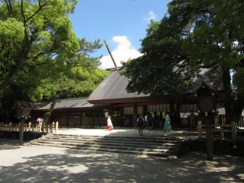 熱田神宮本宮