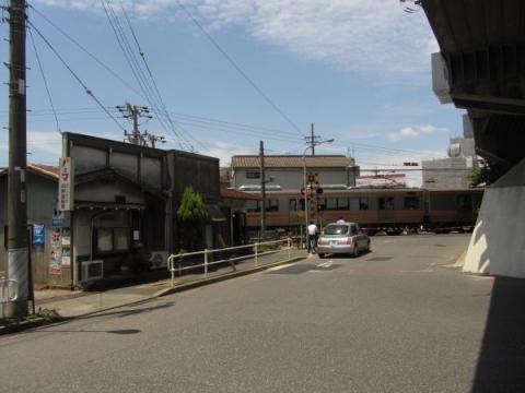 国道1号側道 名古屋市瑞穂区内浜町